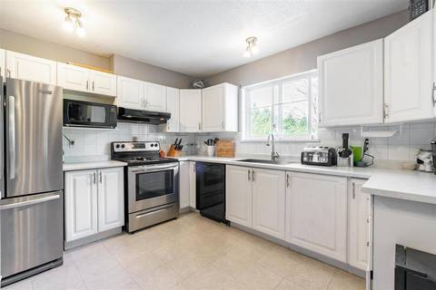 Condo for sale at 19953 55a Ave Unit 208 Langley British Columbia - MLS: R2447438