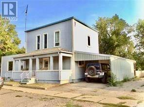 Townhouse for sale at 208 2nd Ave E Gravelbourg Saskatchewan - MLS: SK786636