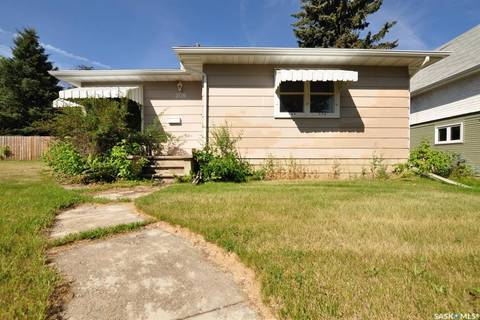 House for sale at 208 2nd Ave S Yorkton Saskatchewan - MLS: SK783555