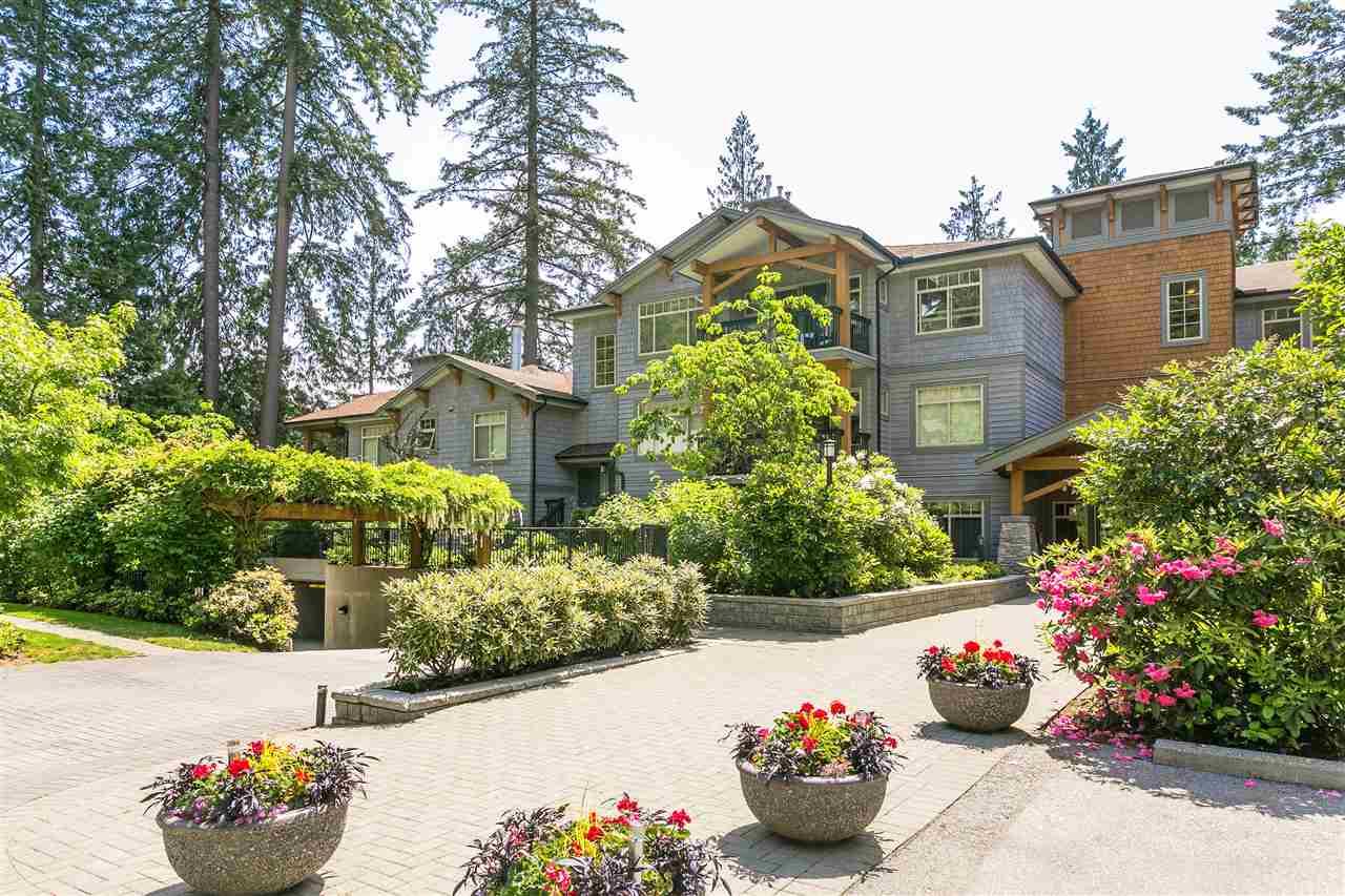 Buliding: 3125 Capilano Crescent, North Vancouver, BC