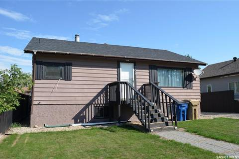 House for sale at 208 3rd Ave E Shellbrook Saskatchewan - MLS: SK786260