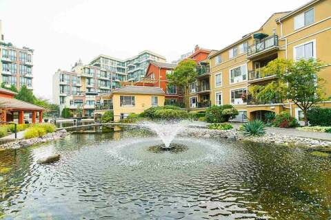 Condo for sale at 6 Renaissance Sq Unit 208 New Westminster British Columbia - MLS: R2500356