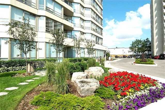 Sold: 208 - 75 King Street, Mississauga, ON