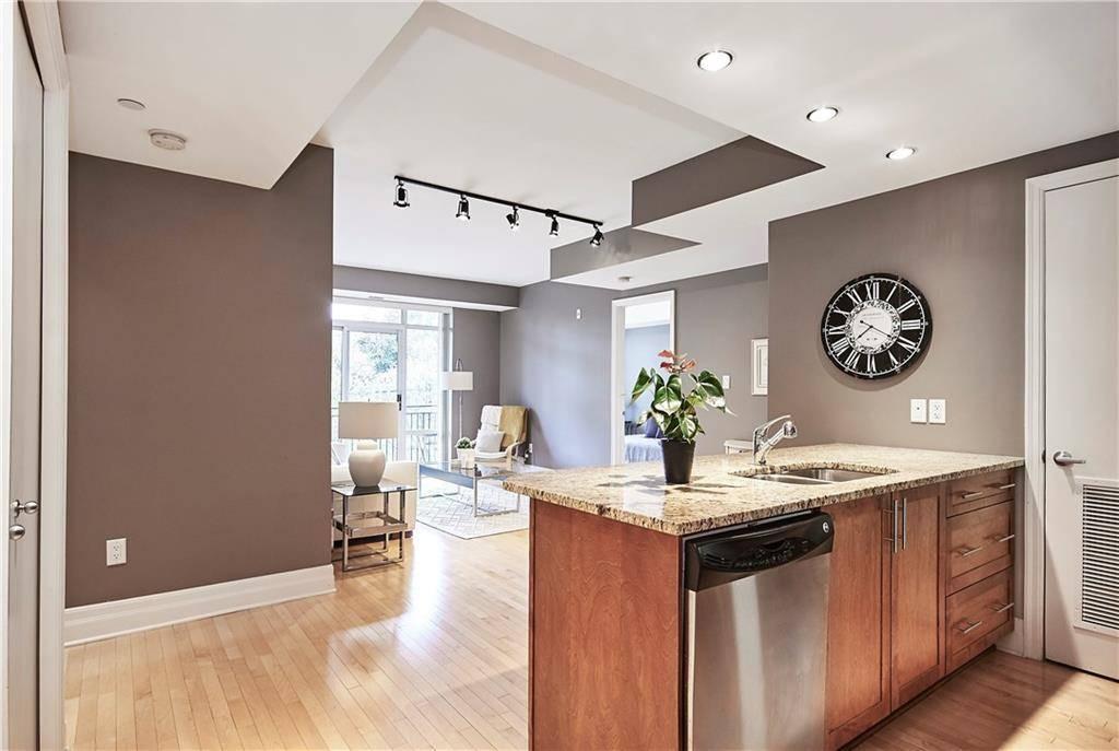 Condo for sale at 950 Marguerite Ave Unit 208 Ottawa Ontario - MLS: 1171885