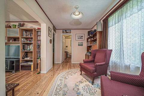 208 Centre Street, Whitby | Image 2