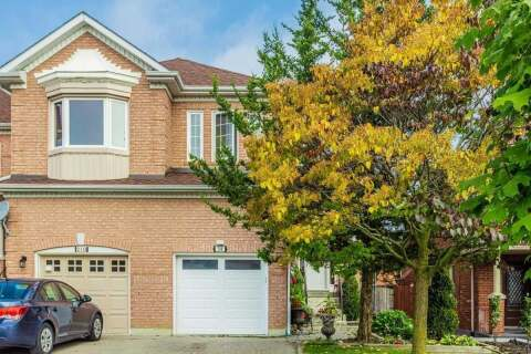 Townhouse for sale at 208 Denise Circ Newmarket Ontario - MLS: N4932172