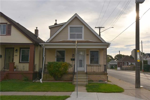 For Sale: 208 Fairfield Avenue, Hamilton, ON | 2 Bed, 1 Bath House for $279,900. See 20 photos!