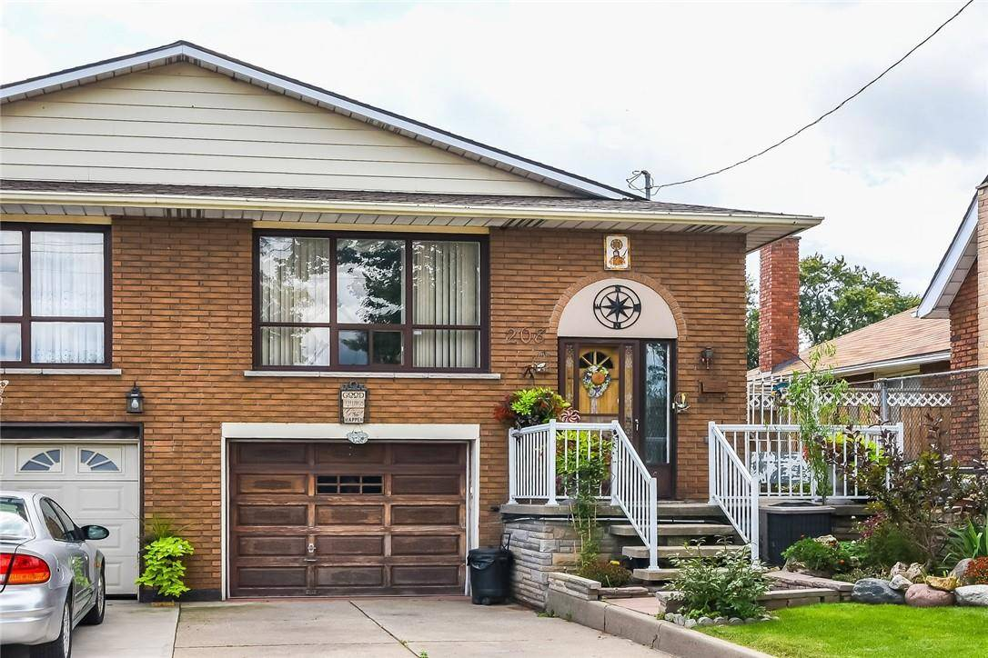 House for sale at 208 Ferrie St E Hamilton Ontario - MLS: H4073186