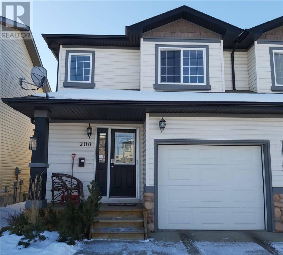 Townhouse for sale at 208 Ibbotson Cs Red Deer Alberta - MLS: ca0183184