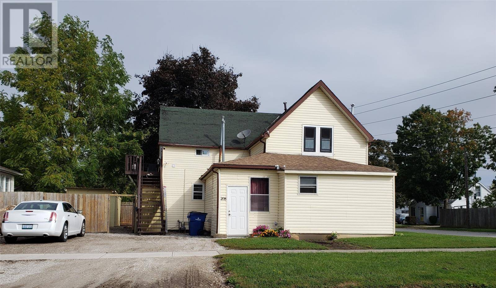 Townhouse for sale at 208 King St Wallaceburg Ontario - MLS: 19026331