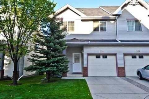 Townhouse for sale at 208 Prestwick Landng Southeast Calgary Alberta - MLS: C4303113