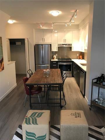 Townhouse for sale at 208 Sherwood Ln Northwest Calgary Alberta - MLS: C4235651