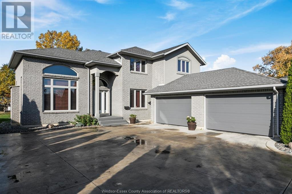 House for sale at 2087 Lesperance  Tecumseh Ontario - MLS: 20014361