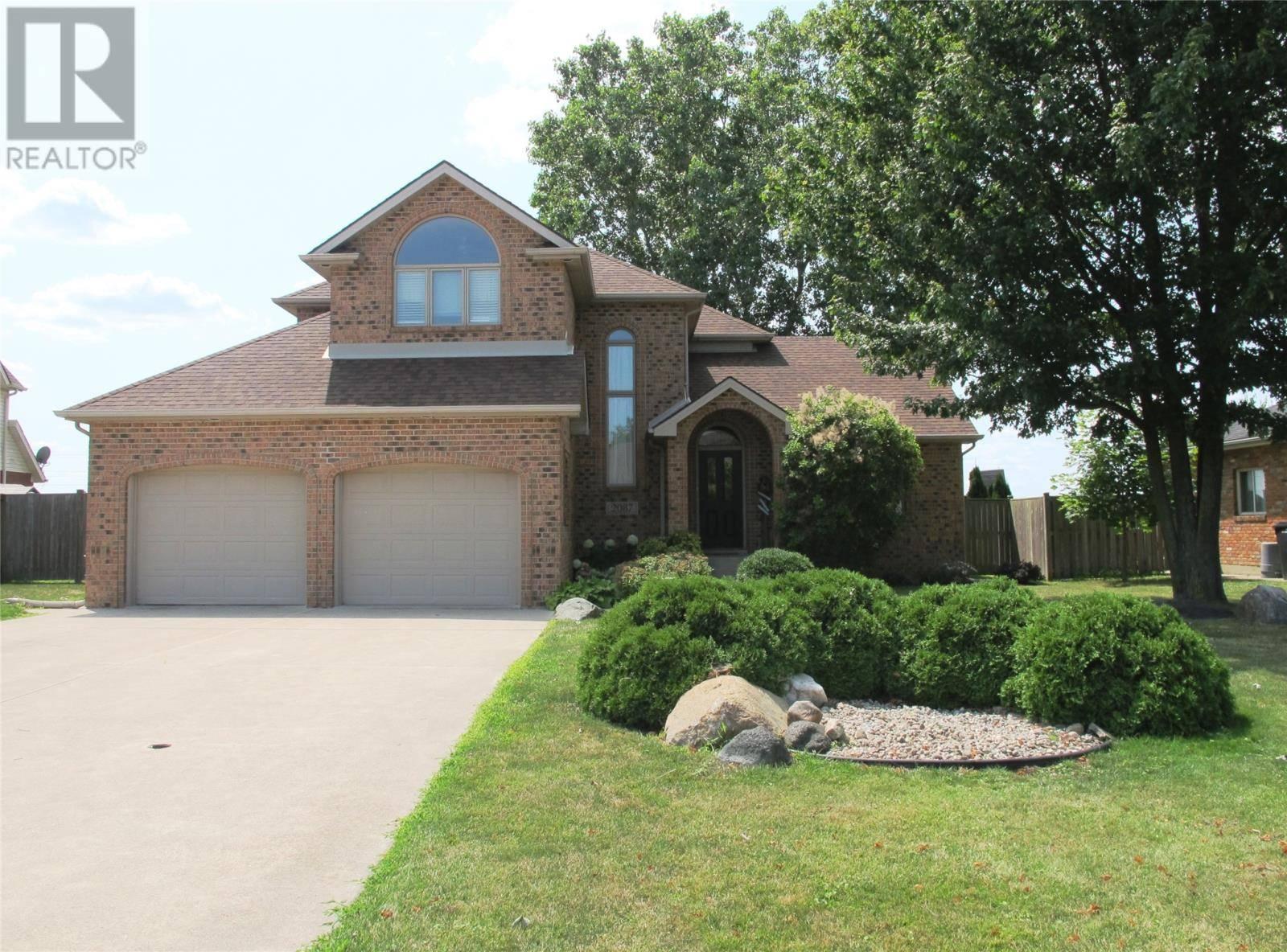 House for sale at 2087 Shawnee  Tecumseh Ontario - MLS: 19022331