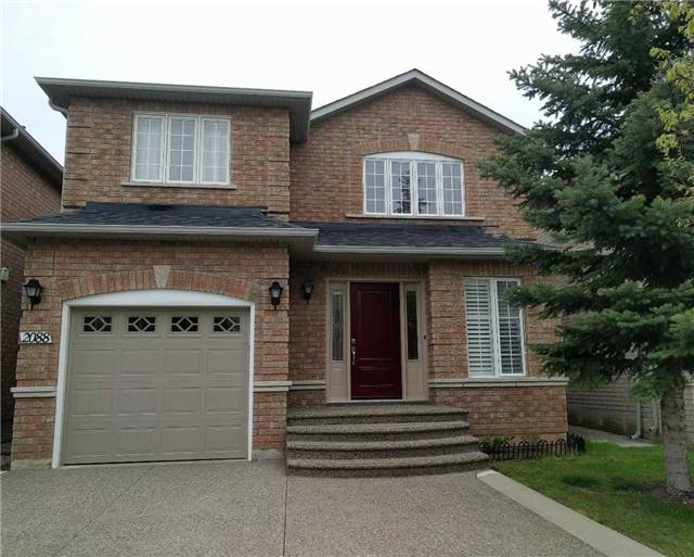 For Rent: 2088 Golden Orchard Trail, Oakville, ON | 3 Bed, 3 Bath House for $2,600. See 16 photos!