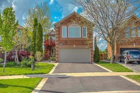 House for sale at 2089 Oak Bliss Cres Oakville Ontario - MLS: W4773875