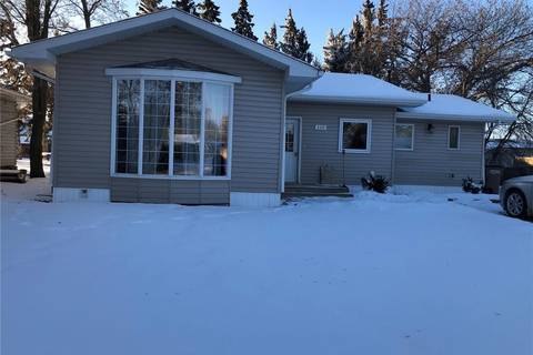 House for sale at 209 3rd St NW Wadena Saskatchewan - MLS: SK806782