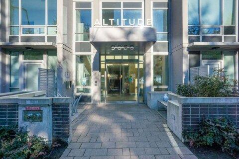 Condo for sale at 9060 University Cres Unit 209 Burnaby British Columbia - MLS: R2521929