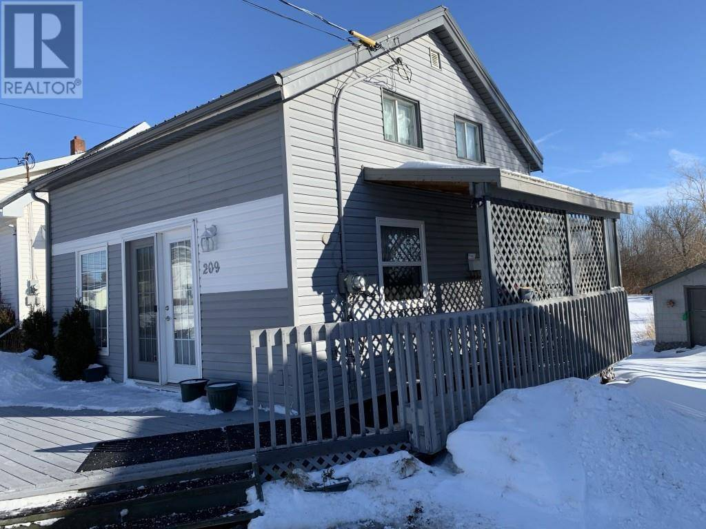 House for sale at 209 Arcona St Summerside Prince Edward Island - MLS: 202002095