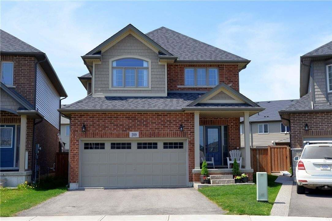 House for sale at 209 Echovalley Dr Stoney Creek Ontario - MLS: H4078529