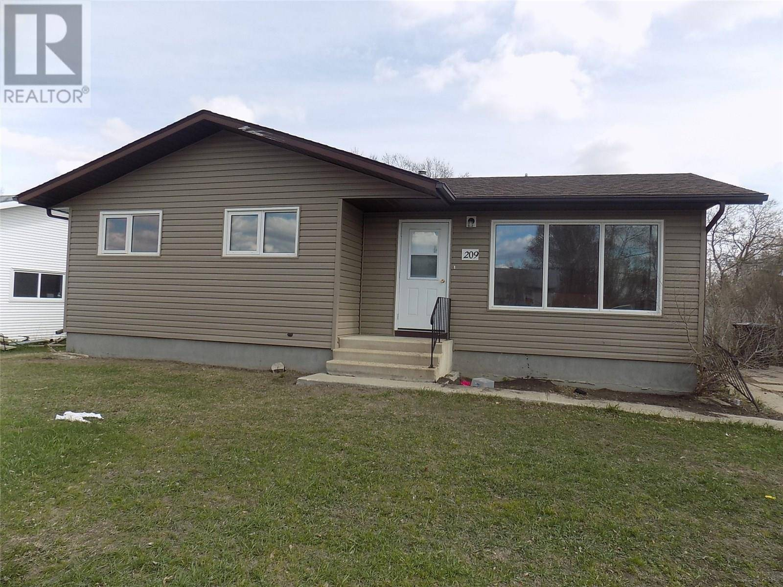 House for sale at 209 Heward St Stoughton Saskatchewan - MLS: SK772289