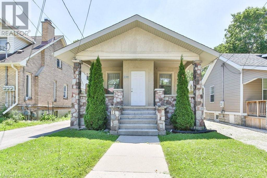 House for sale at 209 Huron St London Ontario - MLS: 226844