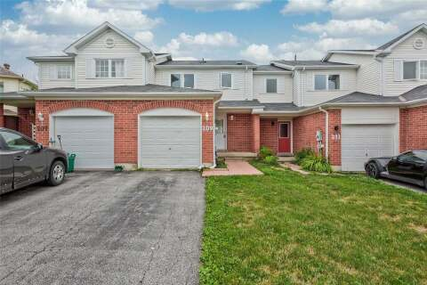 Townhouse for sale at 209 Pickett Cres Barrie Ontario - MLS: S4863465