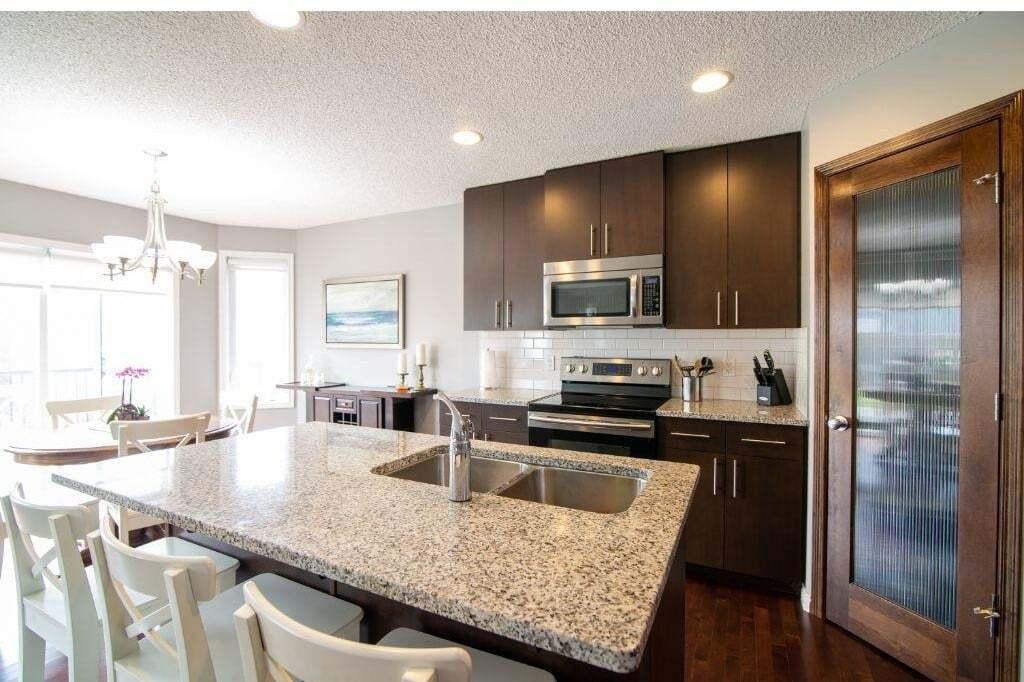 20905 96a Avenue NW, Edmonton   Image 2