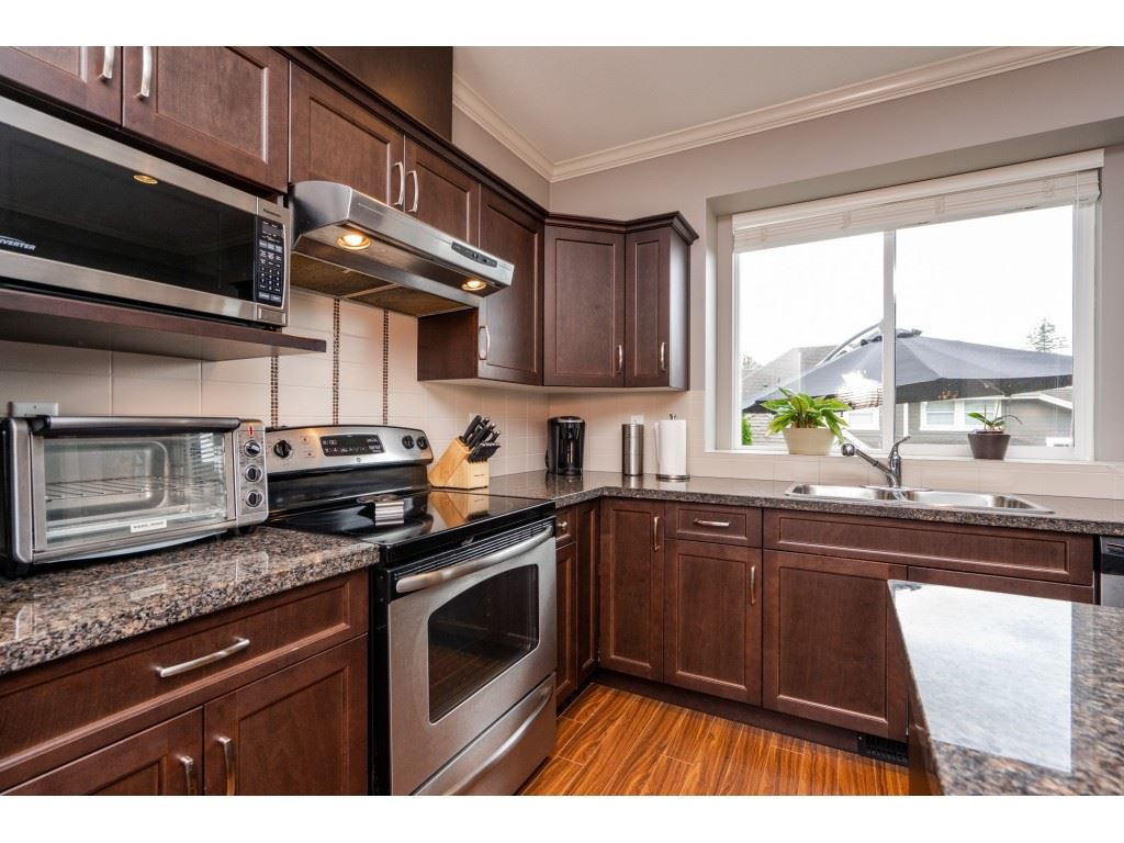 For Sale: 20910 72 Avenue, Langley, BC   4 Bed, 4 Bath Townhouse for $758,800. See 20 photos!