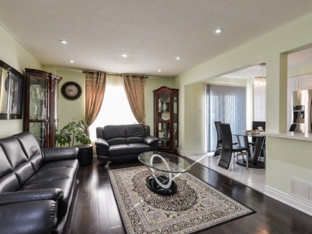 Sold: 2098 Shady Glen Road, Oakville, ON