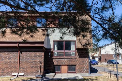 Townhouse for sale at 20 Woodvale Green Ottawa Ontario - MLS: 1146244