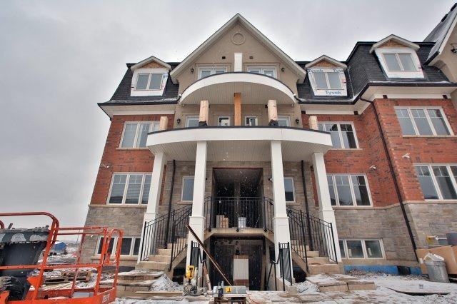 Removed: 21 02 - 2420 Baronwood Drive, Oakville, ON - Removed on 2018-03-05 04:45:39
