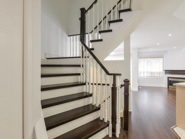 For Rent: 21 - 1240 Westview Terrace, Oakville, ON | 3 Bed, 3 Bath Townhouse for $2,500. See 20 photos!