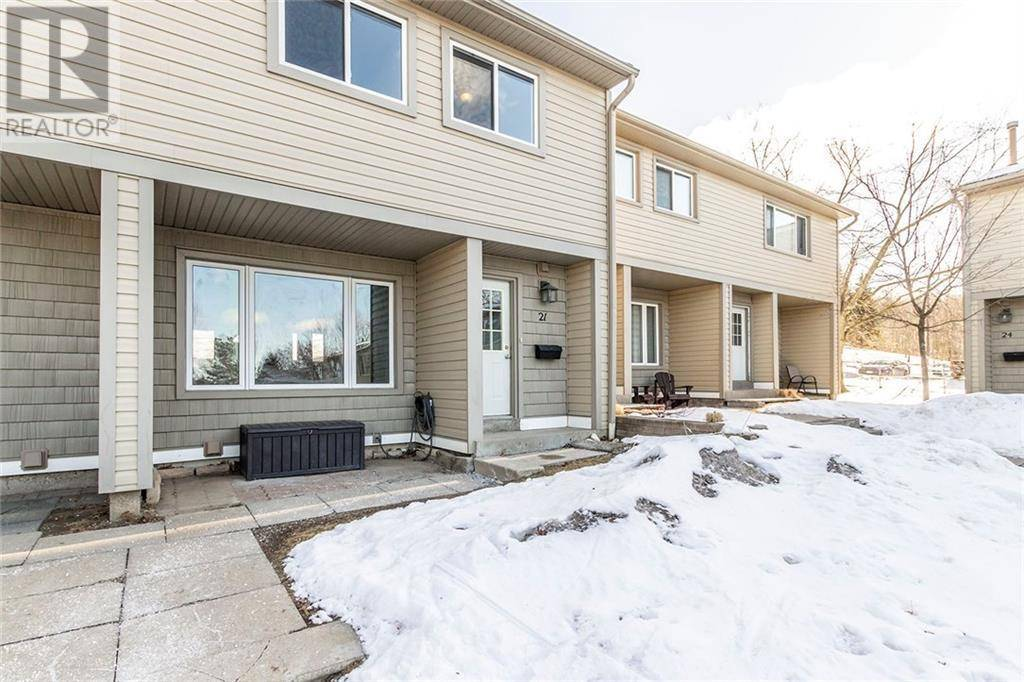 Townhouse for sale at 15 Green Valley Dr Unit 21 Kitchener Ontario - MLS: 30792402