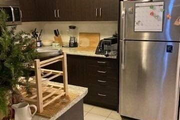Apartment for rent at 2441 Greenwich Dr Unit 21 Oakville Ontario - MLS: W5063969