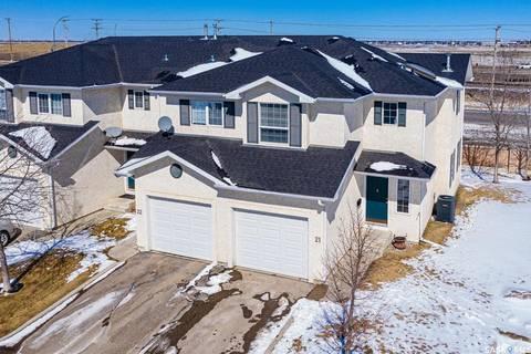 Townhouse for sale at 425 Bayfield Cres Unit 21 Saskatoon Saskatchewan - MLS: SK804434