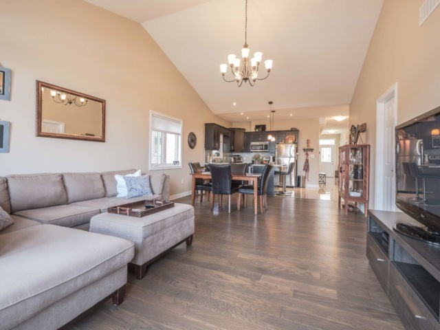 For Sale: 5490 Prince Edward Avenue, Niagara Falls, ON | 3 Bed, 3 Bath Townhouse for $448,888. See 20 photos!