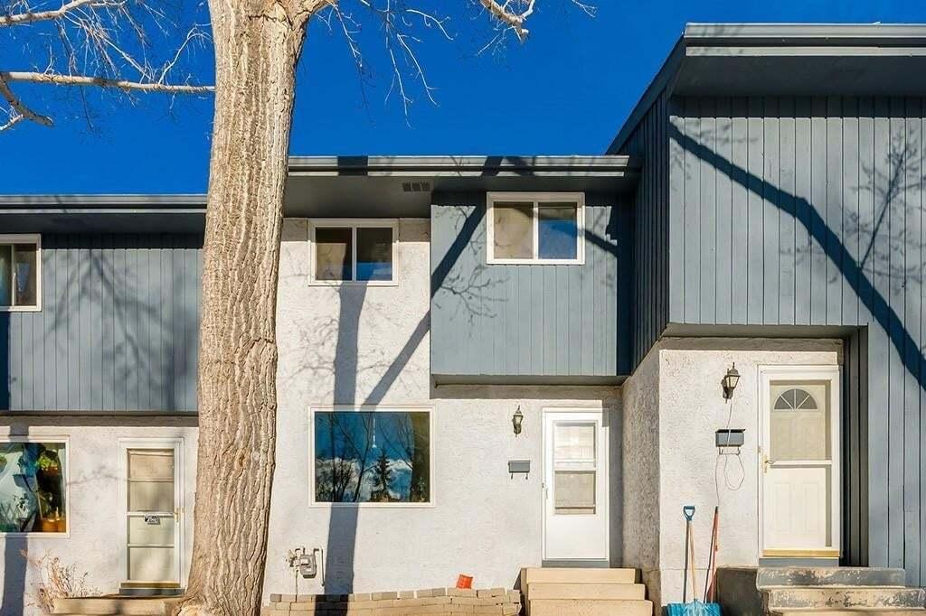 Townhouse for sale at 800 Bowcroft Pl Unit 21 East End, Cochrane Alberta - MLS: C4280696