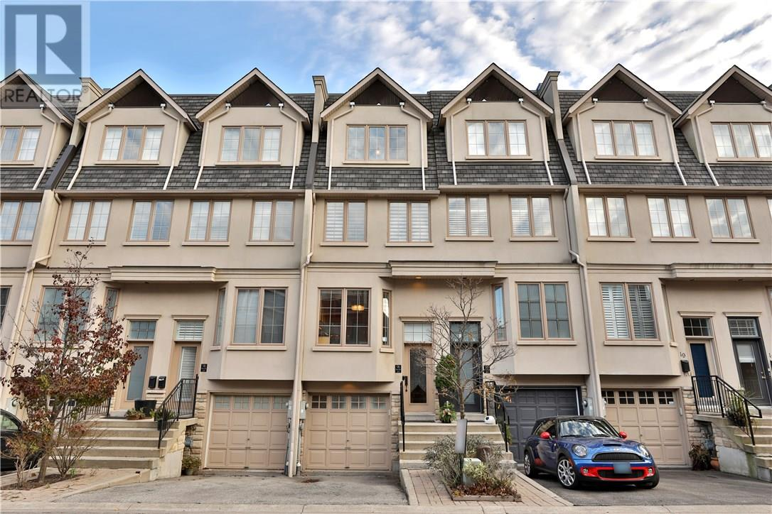 For Sale: 21 - 96 Nelson Street, Oakville, ON   3 Bed, 3 Bath Townhouse for $849,000. See 22 photos!