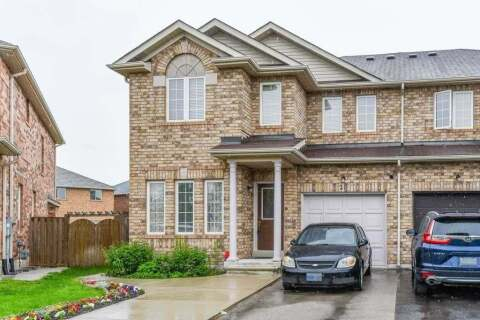 Townhouse for sale at 21 Commodore Dr Brampton Ontario - MLS: W4775499