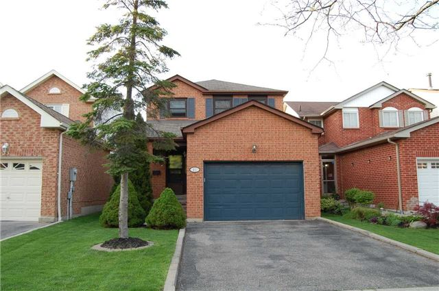 For Sale: 21 Cresswell Drive, Brampton, ON | 3 Bed, 3 Bath House for $699,000. See 11 photos!