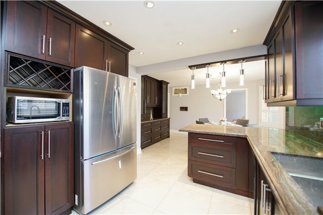 For Sale: 21 Dundee Crescent, Markham, ON | 4 Bed, 4 Bath House for $1,299,000. See 20 photos!