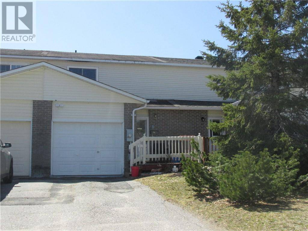 Townhouse for sale at 21 Farrell Cres Elliot Lake Ontario - MLS: 2084312