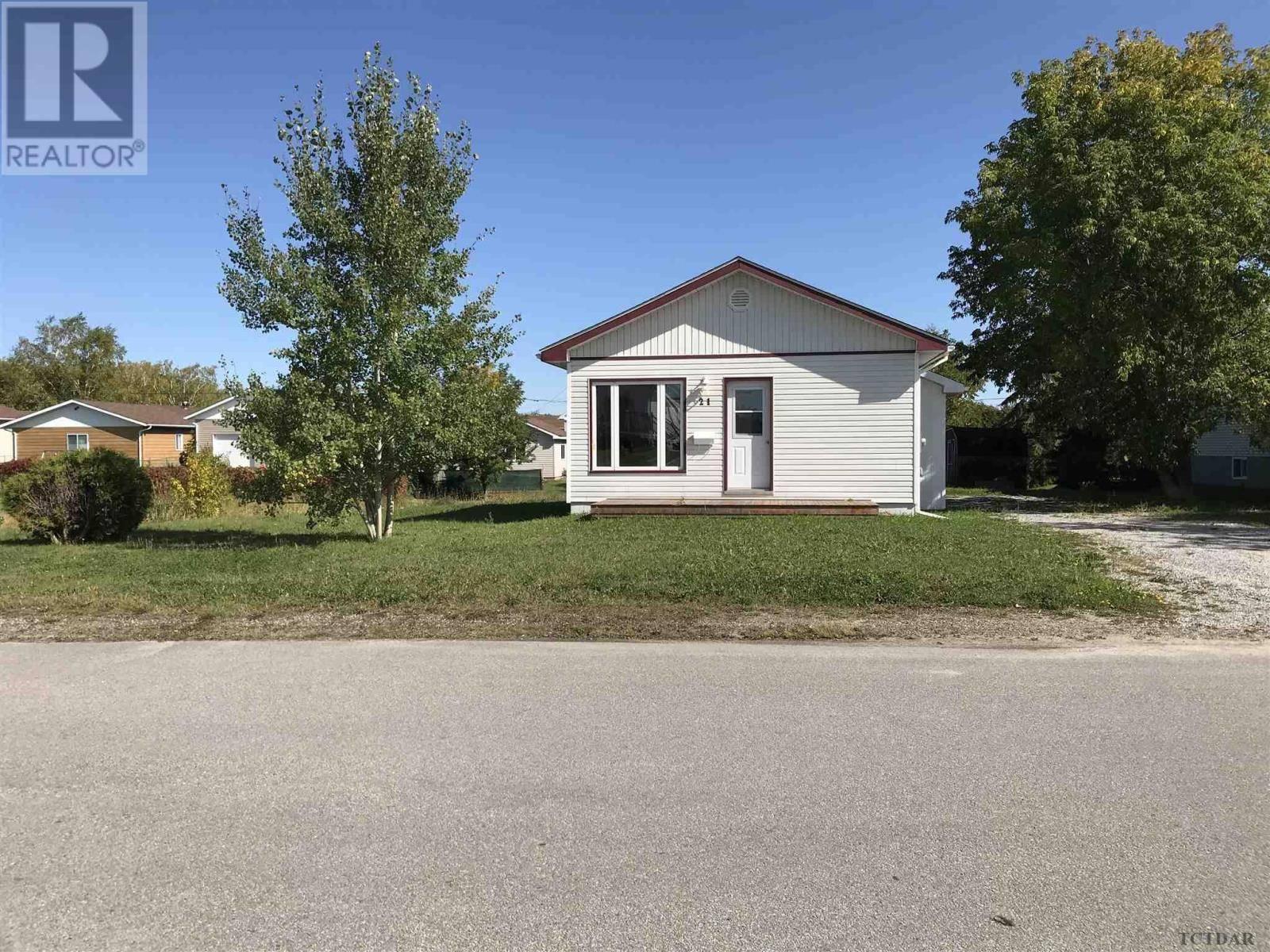 House for sale at 21 Frontenac Cres Kapuskasing Ontario - MLS: TM192258