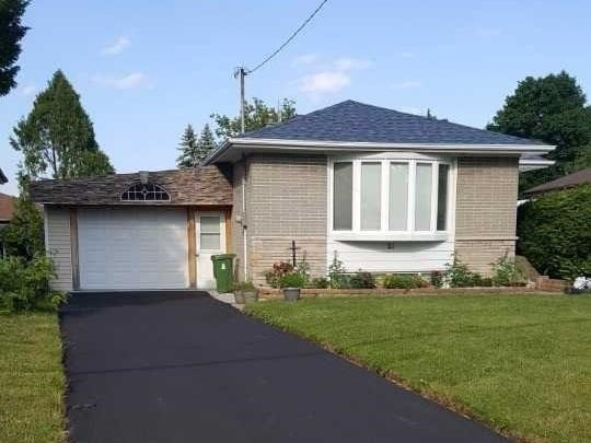 For Sale: 21 Glos Avenue, Toronto, ON | 3 Bed, 2 Bath House for $819,786. See 20 photos!