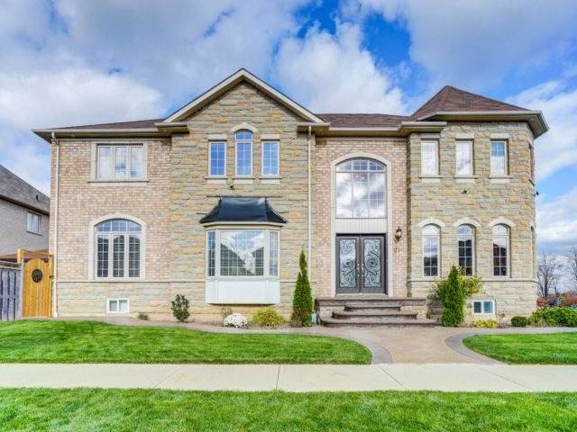 House for sale at 21 Kirkhaven Way Brampton Ontario - MLS: W4307889