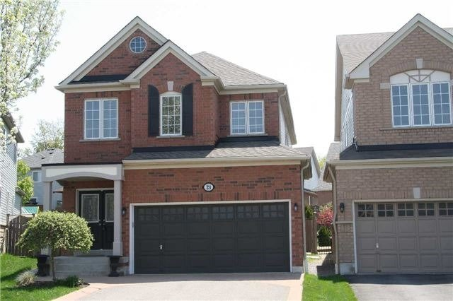 For Sale: 21 Lonsdale Court, Whitby, ON | 4 Bed, 4 Bath Home for $720,000. See 20 photos!