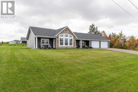 House for sale at 21 Luke St Fairview Prince Edward Island - MLS: 202022290