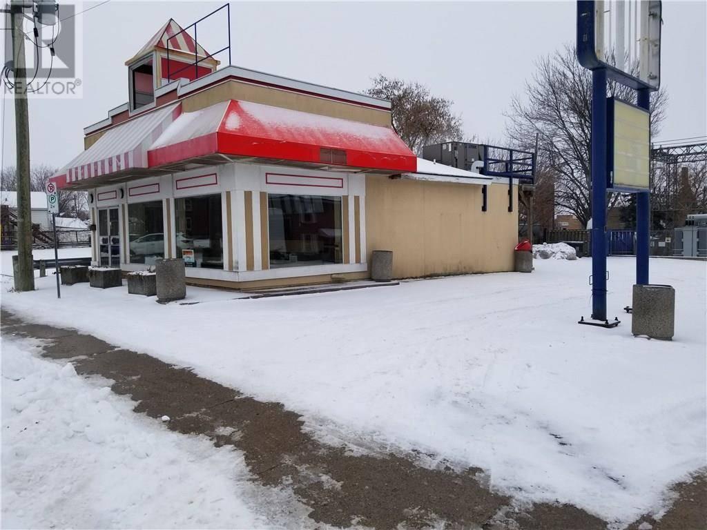 21 Main Street E, Smiths Falls | Image 1