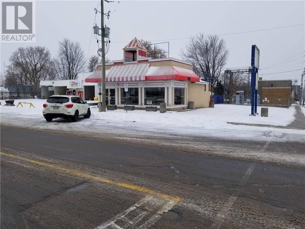 21 Main Street E, Smiths Falls | Image 2
